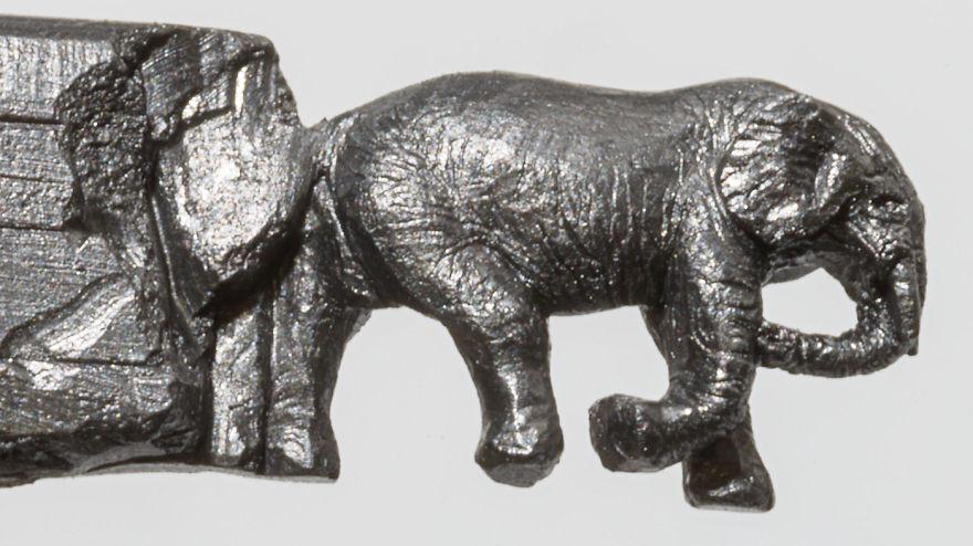 sculture-matite-incise-grafite-elefanti-cindy-chinn-09
