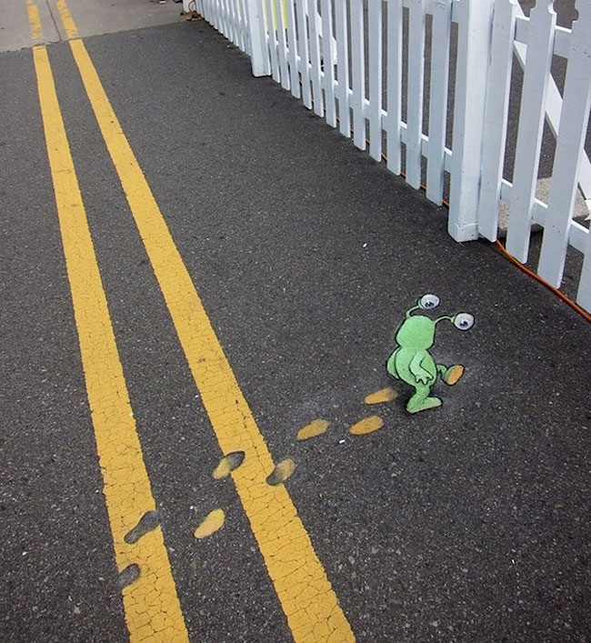 street-art-anamorfica-bizzarra-gesso-david-zinn-42