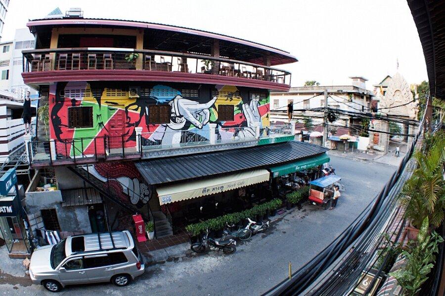 street-art-dipinti-murali-mani-krohom-2