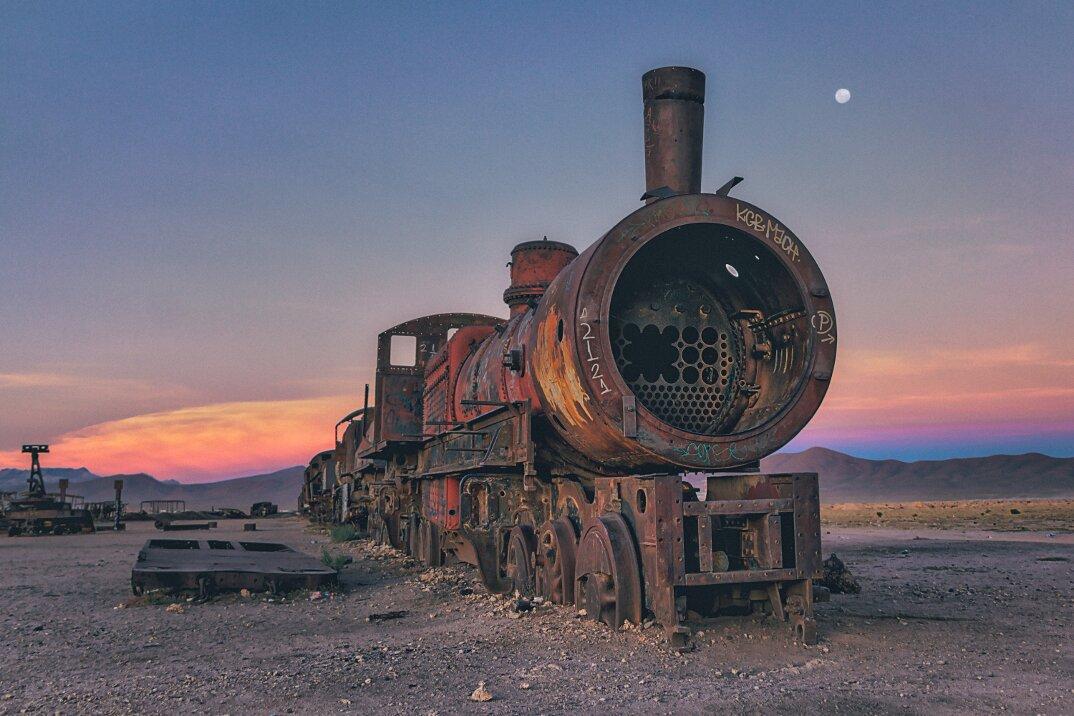 treni-abbandonati-bolivia-chris-staring-01