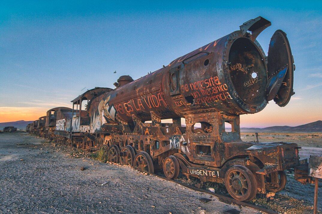 treni-abbandonati-bolivia-chris-staring-05