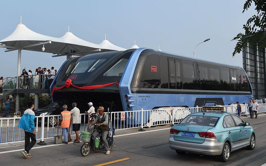 autobus-sopraelevato-test-strada-qinhuangdao-cina-1