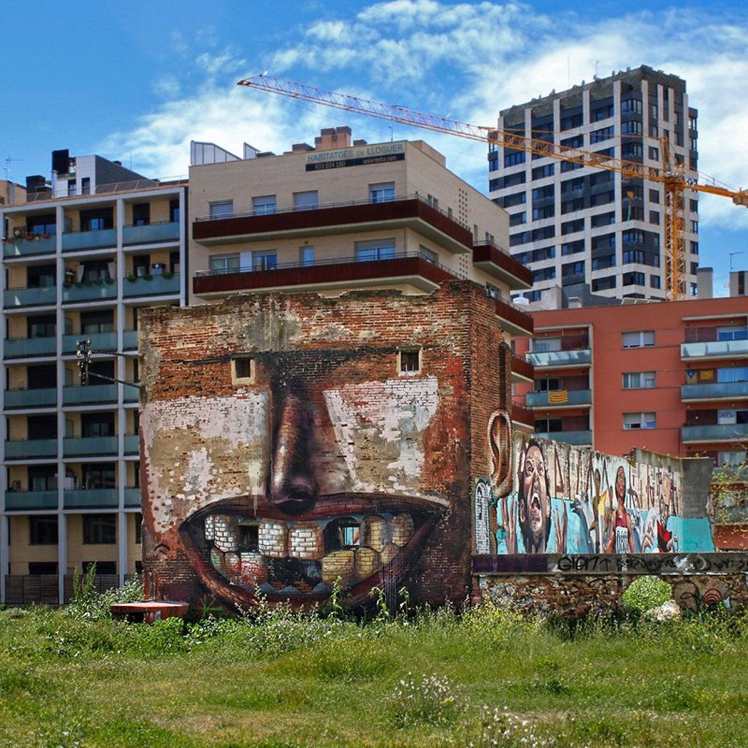 casa-sorridente-street-art-street-artist-penao-murs-lliures-barcellona-4