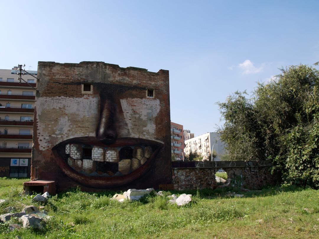 casa-sorridente-street-art-street-artist-penao-murs-lliures-barcellona-5