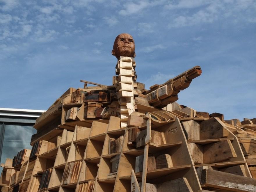installazione-scultura-carro-armato-stampa-3d-peter-mountain-1