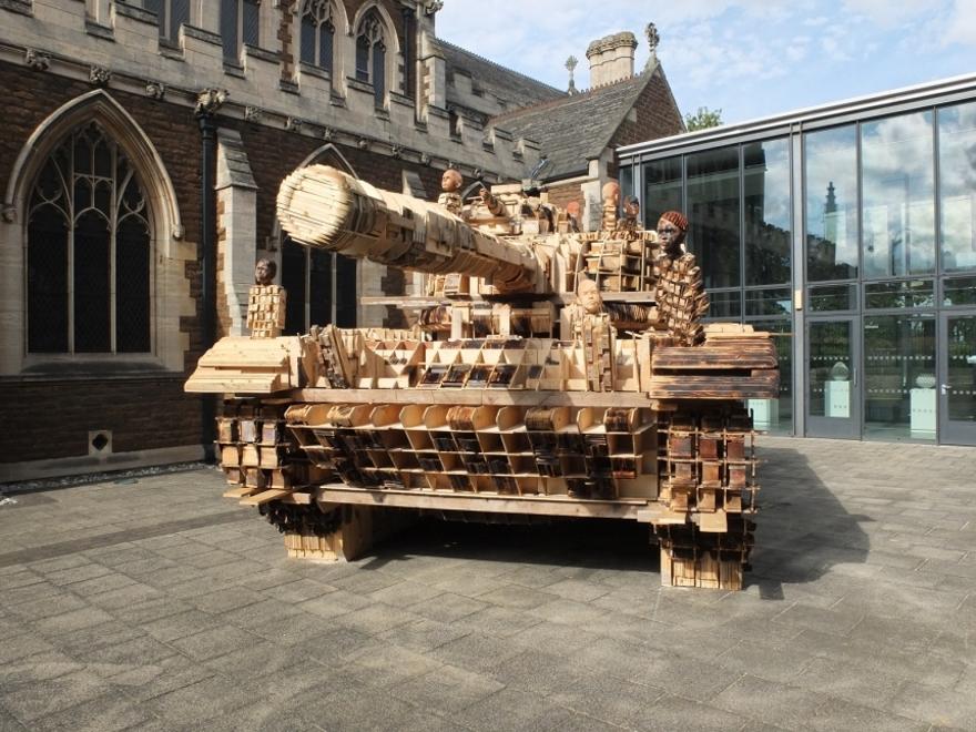 installazione-scultura-carro-armato-stampa-3d-peter-mountain-2