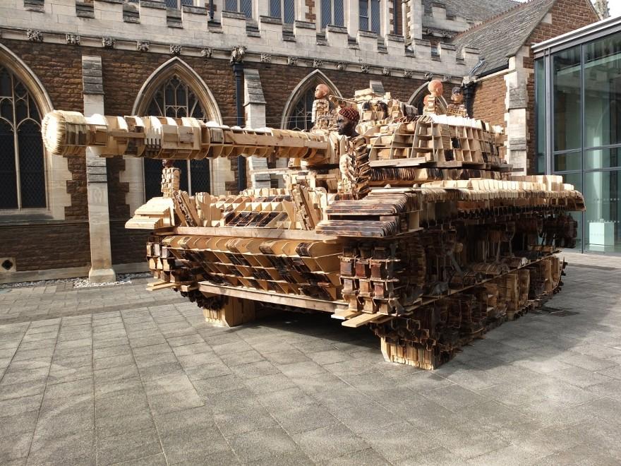 installazione-scultura-carro-armato-stampa-3d-peter-mountain-7