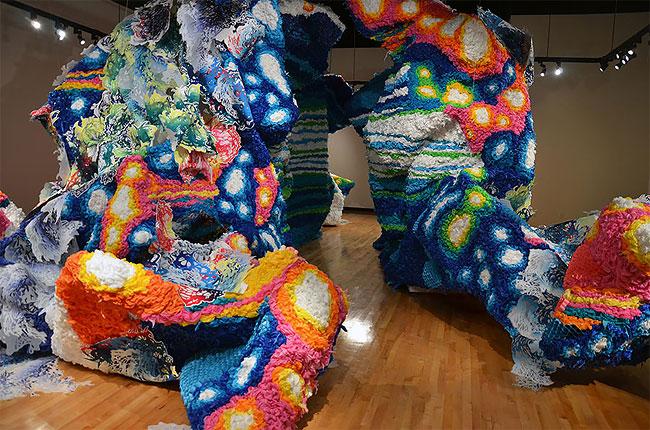 installazioni-arte-astratta-grandi-dimensioni-crystal-wagner-10
