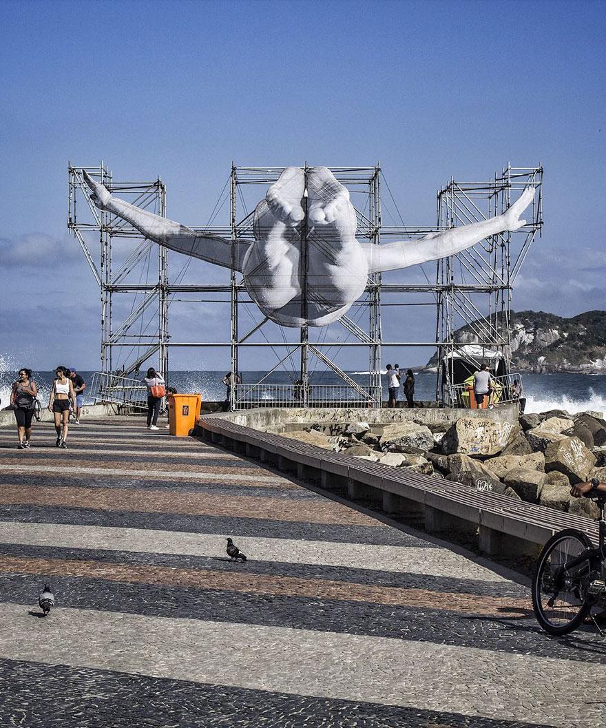 installazioni-atleti-giganti-street-art-jr-giochi-olimpici-rio-2016-7