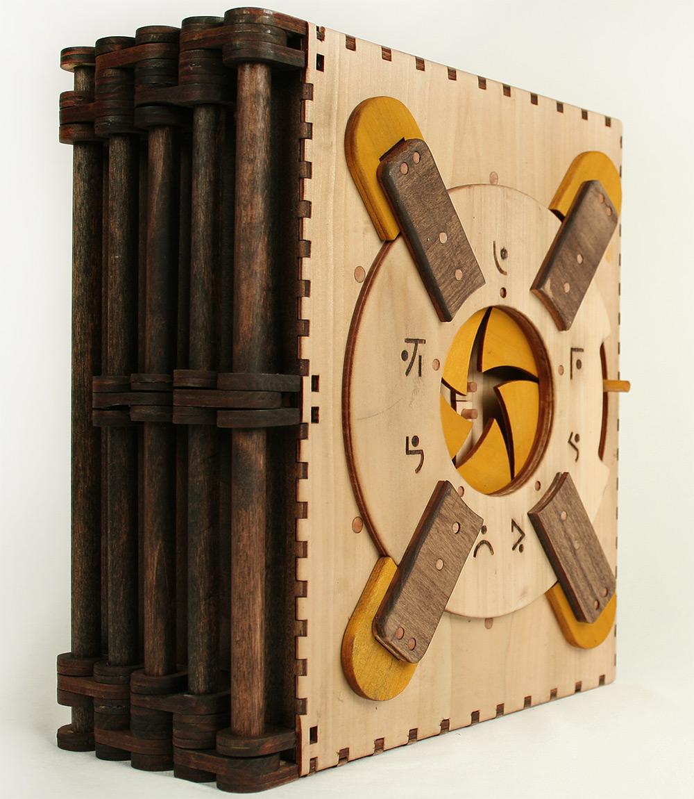 libro-legno-artigianale-puzzle-meccanici-da-risolvere-codex-silenda-brady-whitney-05