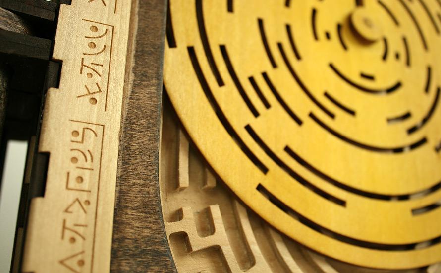 libro-legno-artigianale-puzzle-meccanici-da-risolvere-codex-silenda-brady-whitney-08