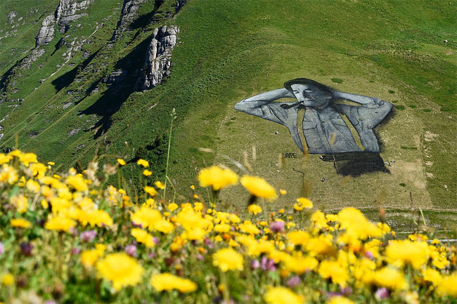 pittura-biodegradabile-gigante-leysin-svizzera-landart-record-mondiale-saype-1