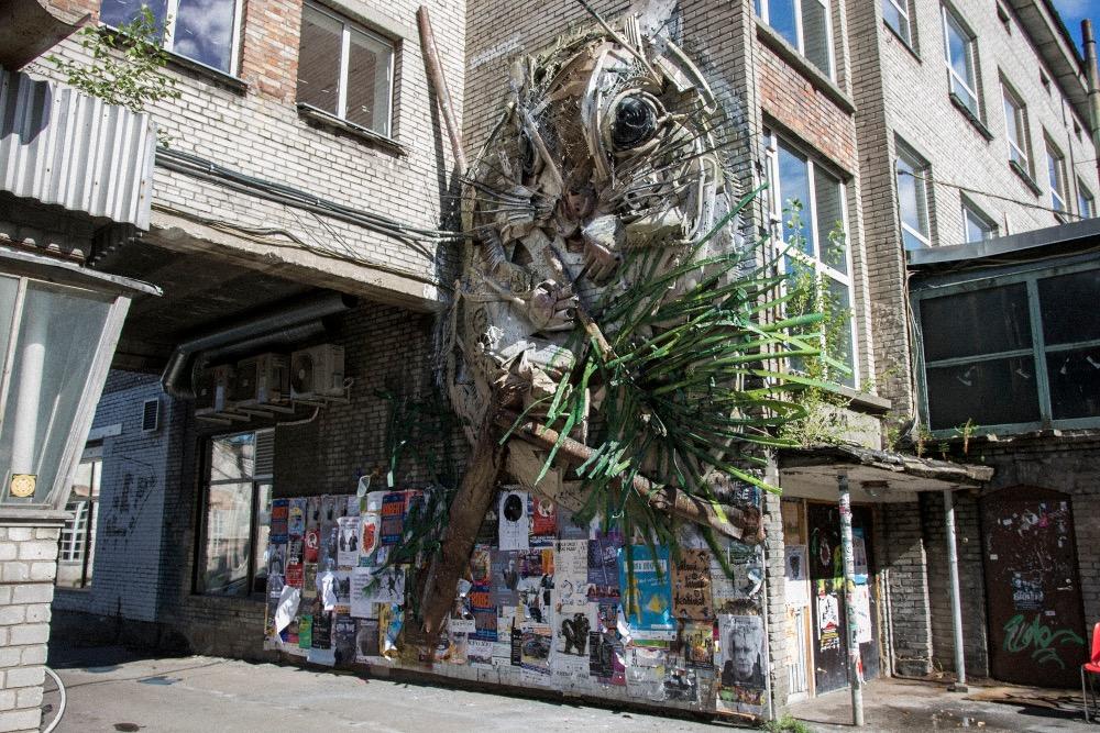 scoiattolo-gigante-street-art-bordaloii-tallin-estonia-1