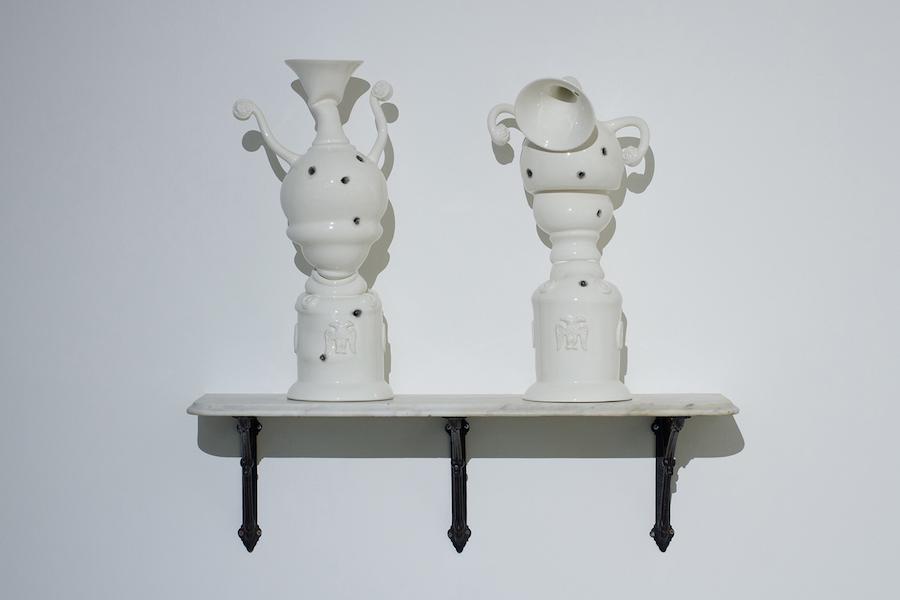 scultura-vasi-porcellana-incidenti-bizzarri-laurent-craste-06