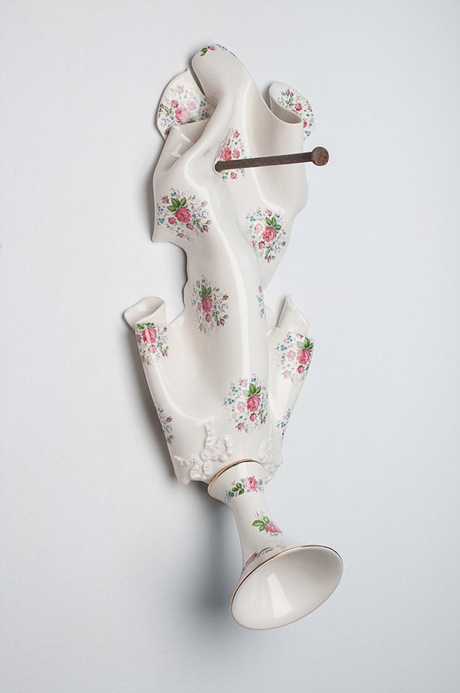 scultura-vasi-porcellana-incidenti-bizzarri-laurent-craste-12