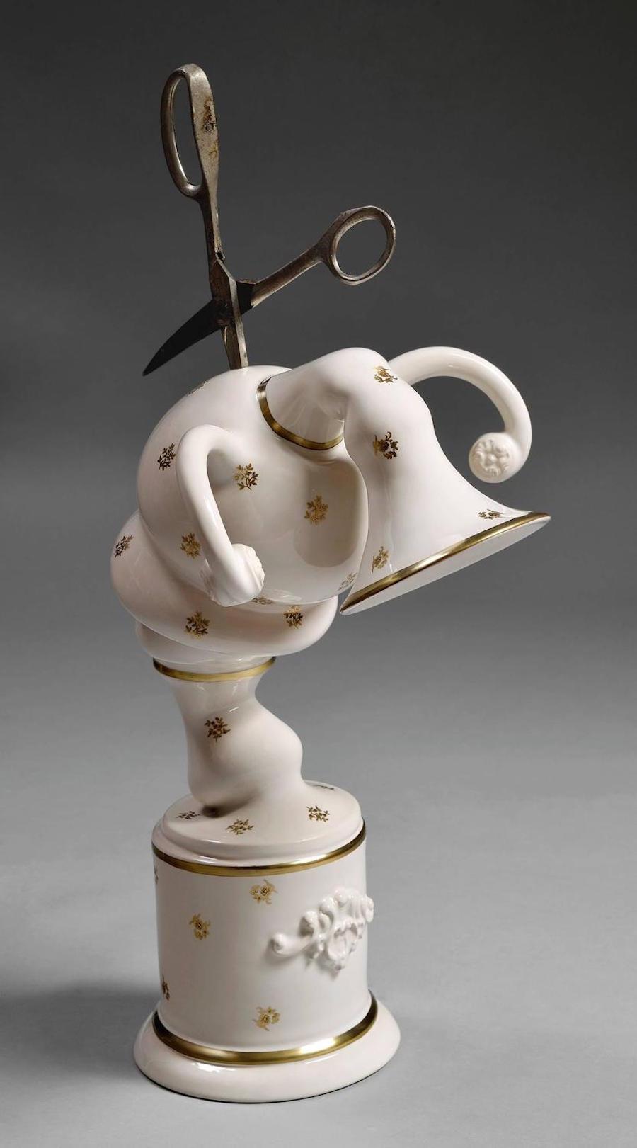scultura-vasi-porcellana-incidenti-bizzarri-laurent-craste-14