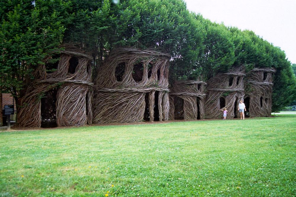 sculture-monumentali-legno-attorcigliato-patrick-dougherty-06