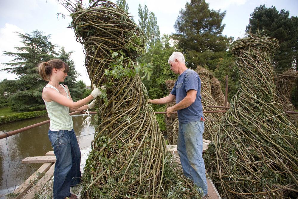 sculture-monumentali-legno-attorcigliato-patrick-dougherty-13