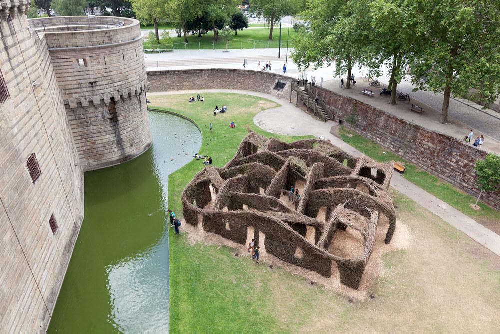 sculture-monumentali-legno-attorcigliato-patrick-dougherty-16