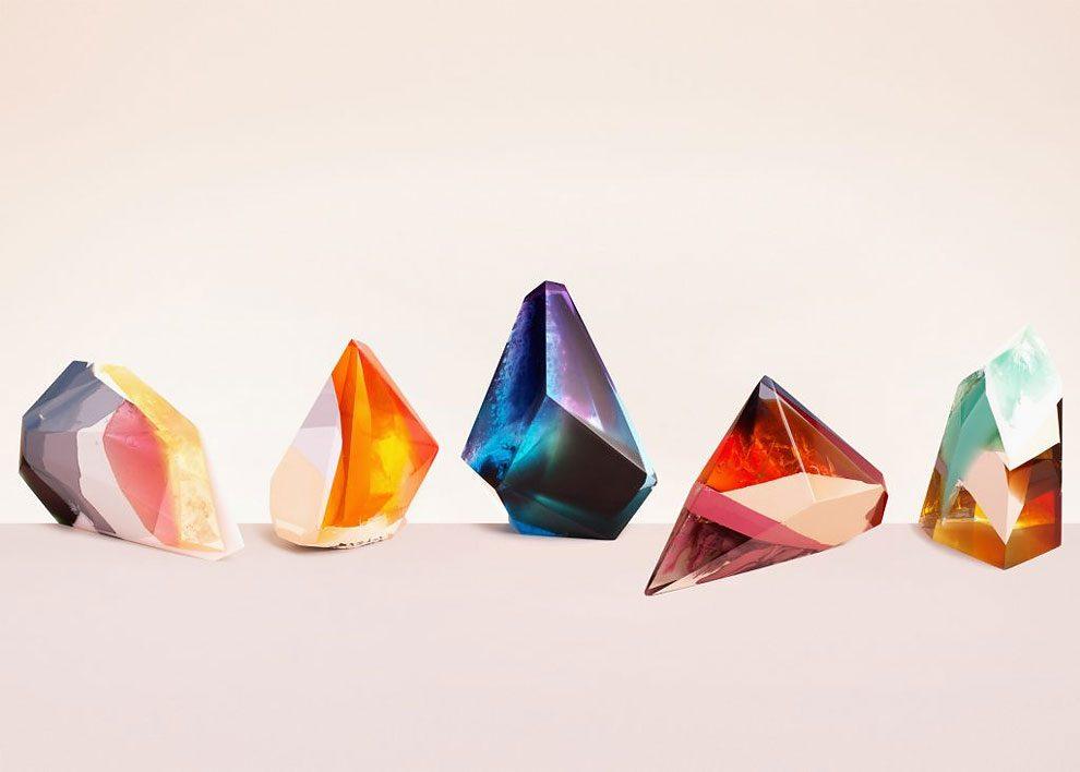 sculture-resina-forma-cristalli-interpretano-profumi-laboratory-perfumes-zuza-mengham-01