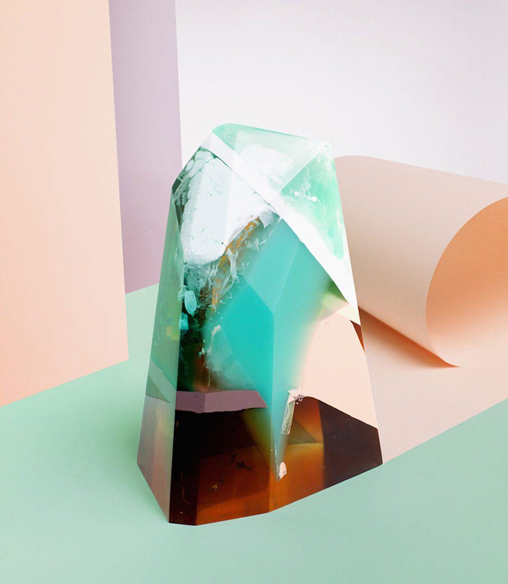 sculture-resina-forma-cristalli-interpretano-profumi-laboratory-perfumes-zuza-mengham-02