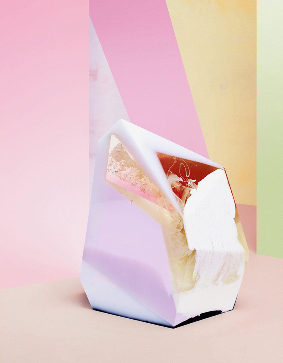 sculture-resina-forma-cristalli-interpretano-profumi-laboratory-perfumes-zuza-mengham-03