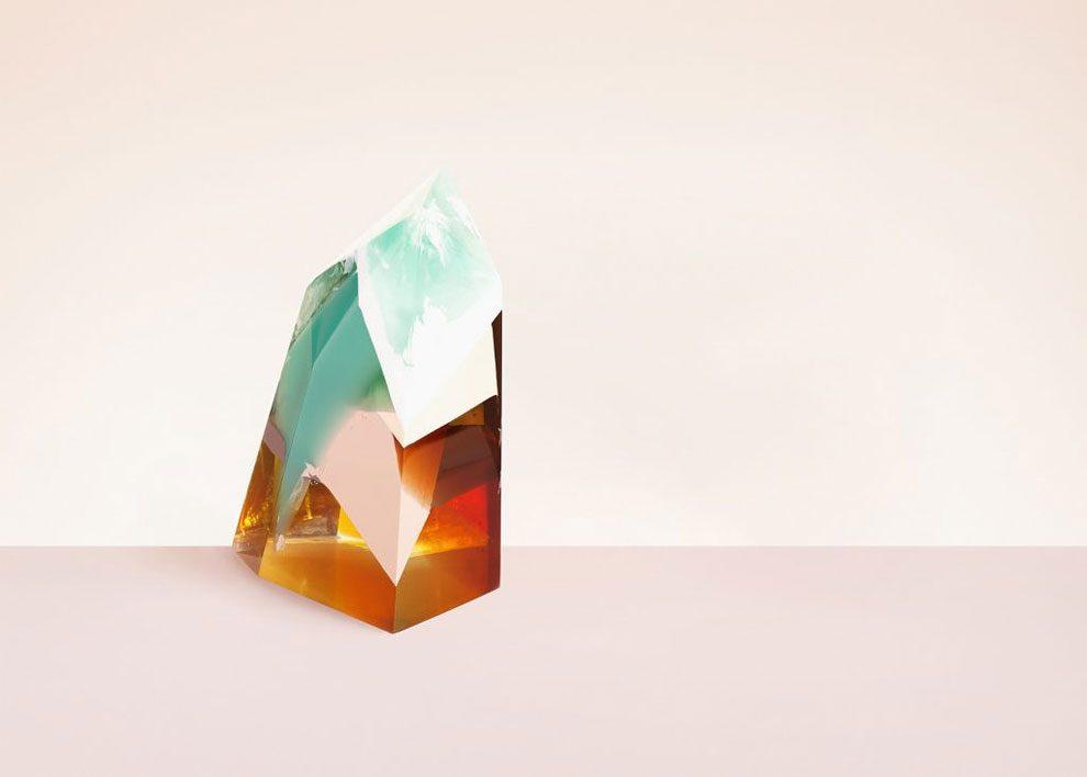 sculture-resina-forma-cristalli-interpretano-profumi-laboratory-perfumes-zuza-mengham-08