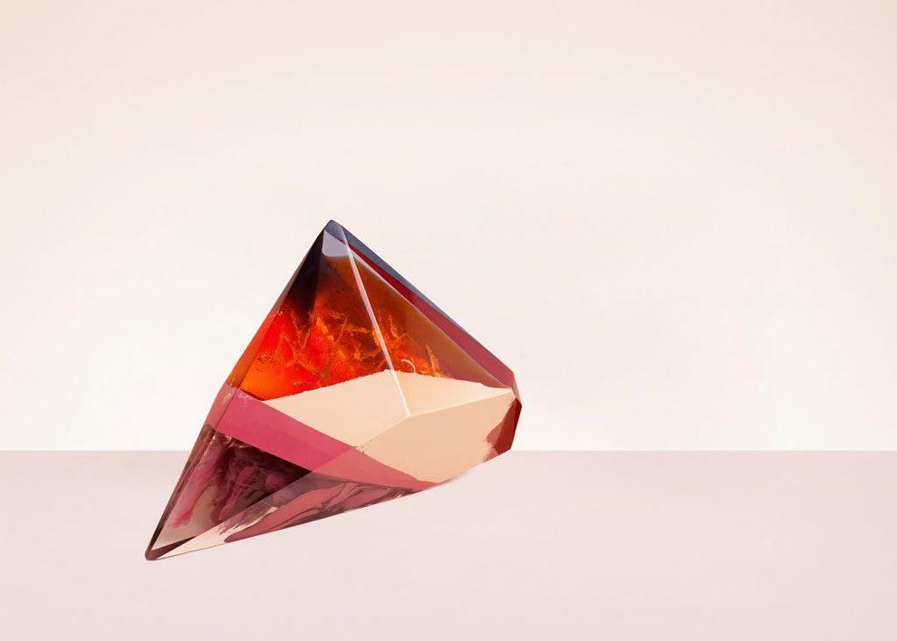 sculture-resina-forma-cristalli-interpretano-profumi-laboratory-perfumes-zuza-mengham-09