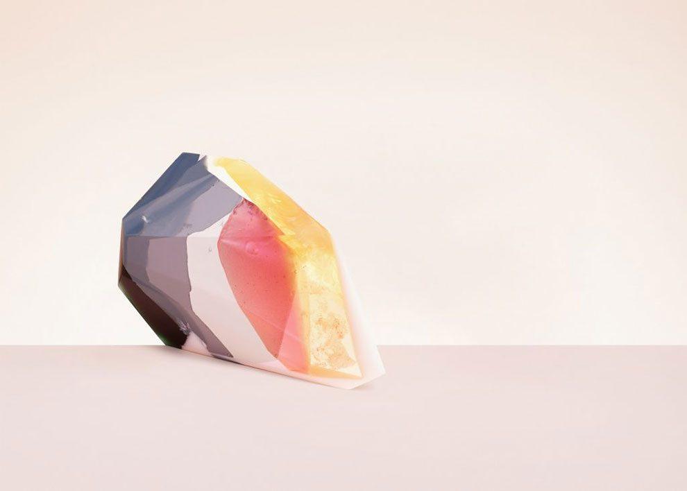 sculture-resina-forma-cristalli-interpretano-profumi-laboratory-perfumes-zuza-mengham-10