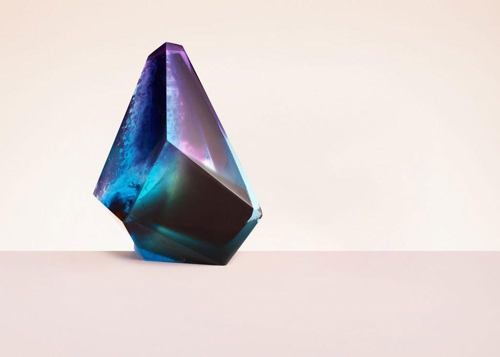 sculture-resina-forma-cristalli-interpretano-profumi-laboratory-perfumes-zuza-mengham-11
