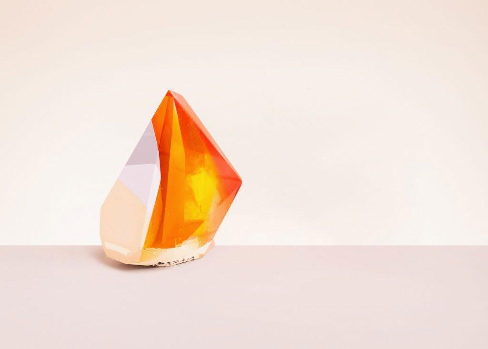sculture-resina-forma-cristalli-interpretano-profumi-laboratory-perfumes-zuza-mengham-12