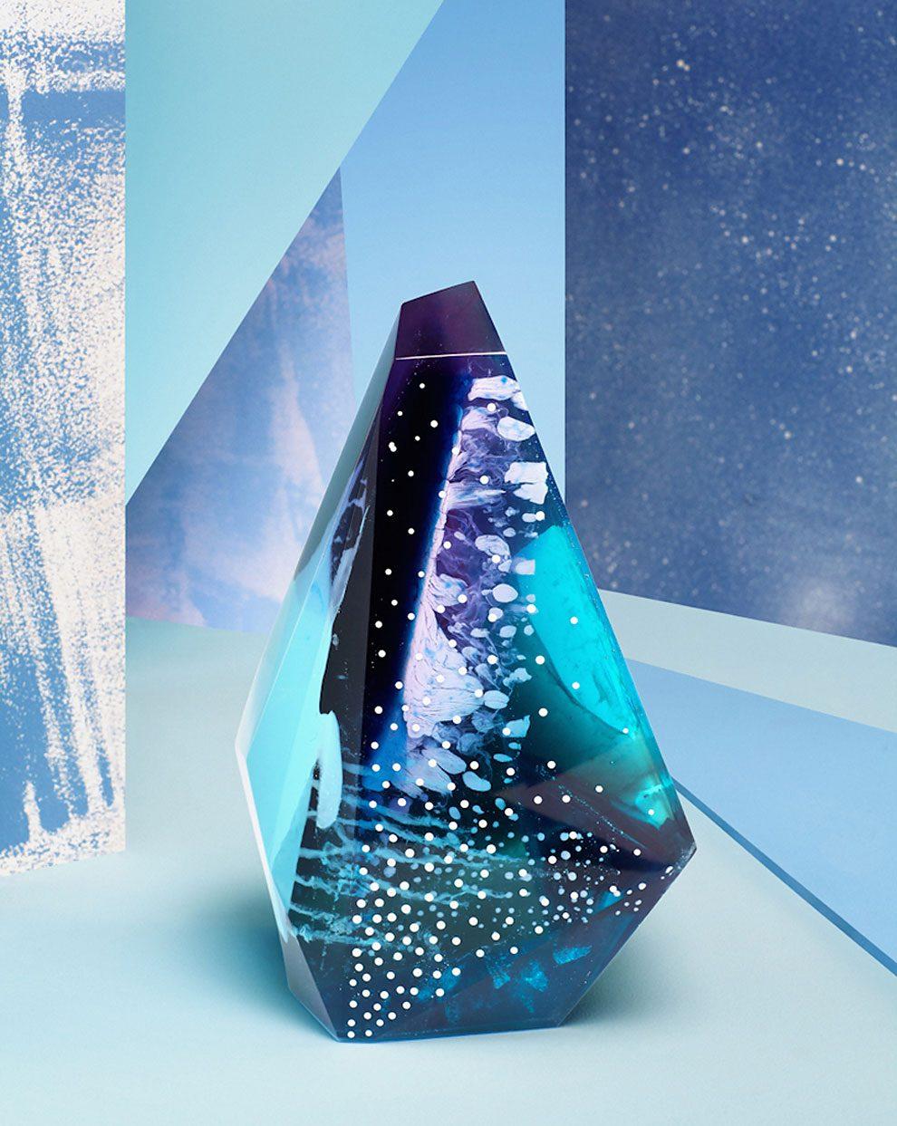 sculture-resina-forma-cristalli-interpretano-profumi-laboratory-perfumes-zuza-mengham-14