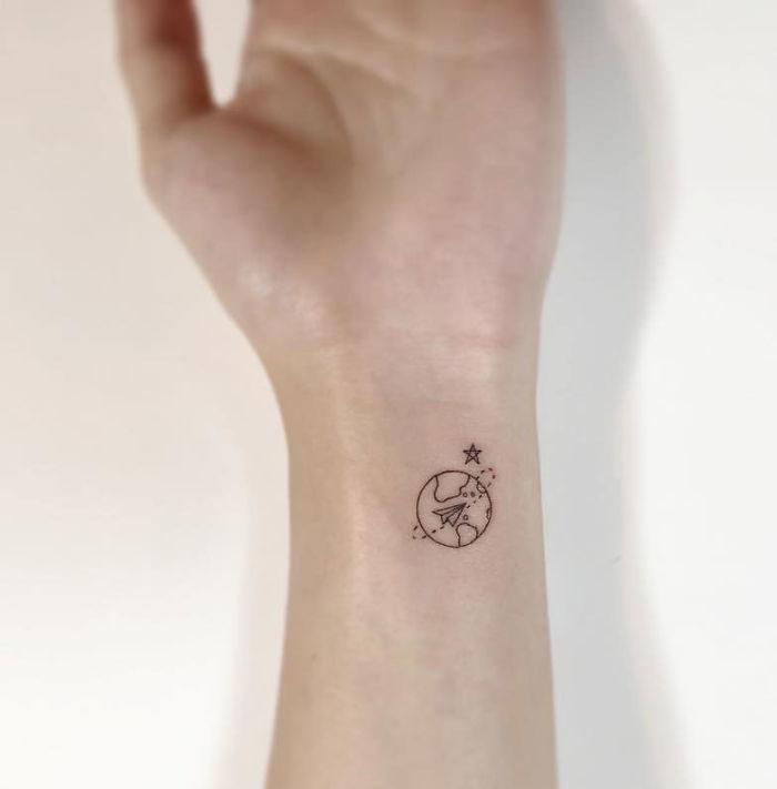tatuaggi-minimali-linee-sottili-playground-tattoo-04