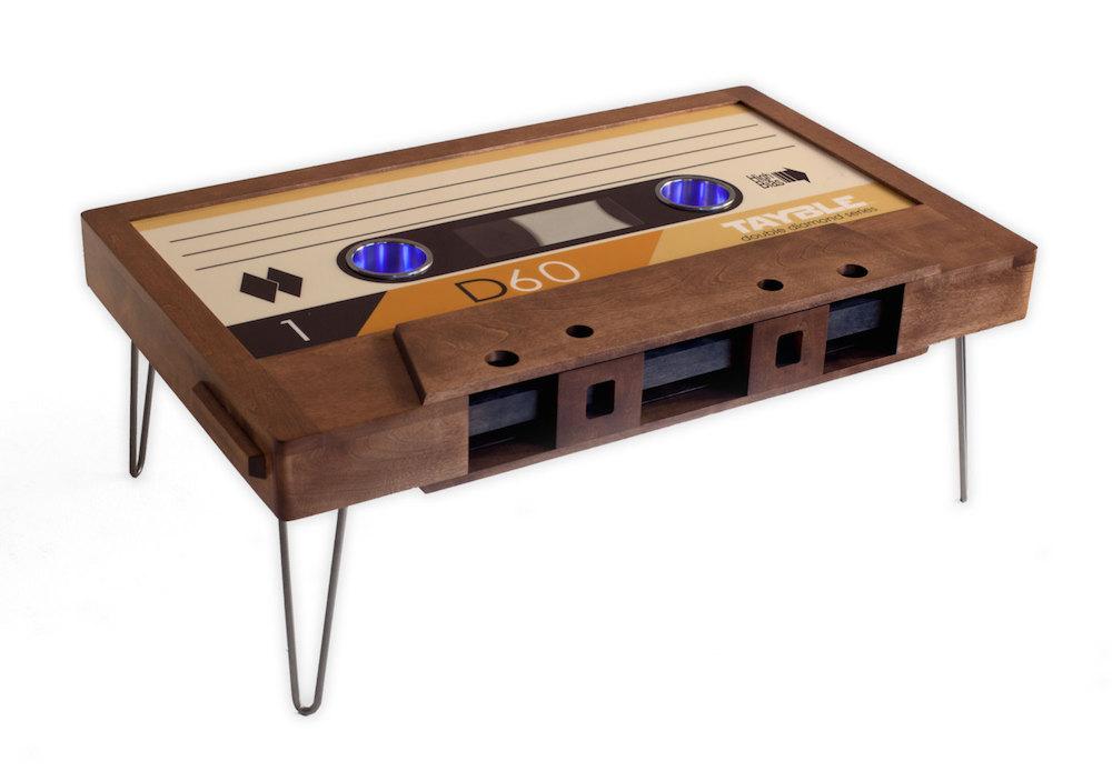 tavolino-salotto-musicassetta-arredamento-tayble-1