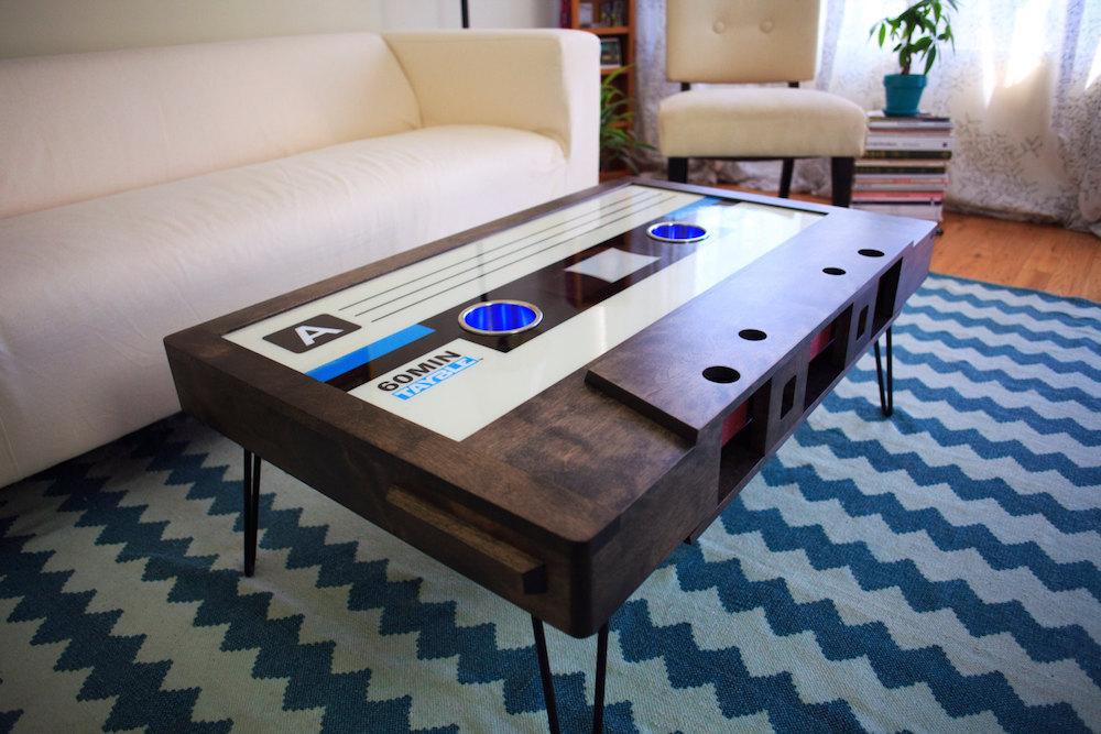 tavolino-salotto-musicassetta-arredamento-tayble-2