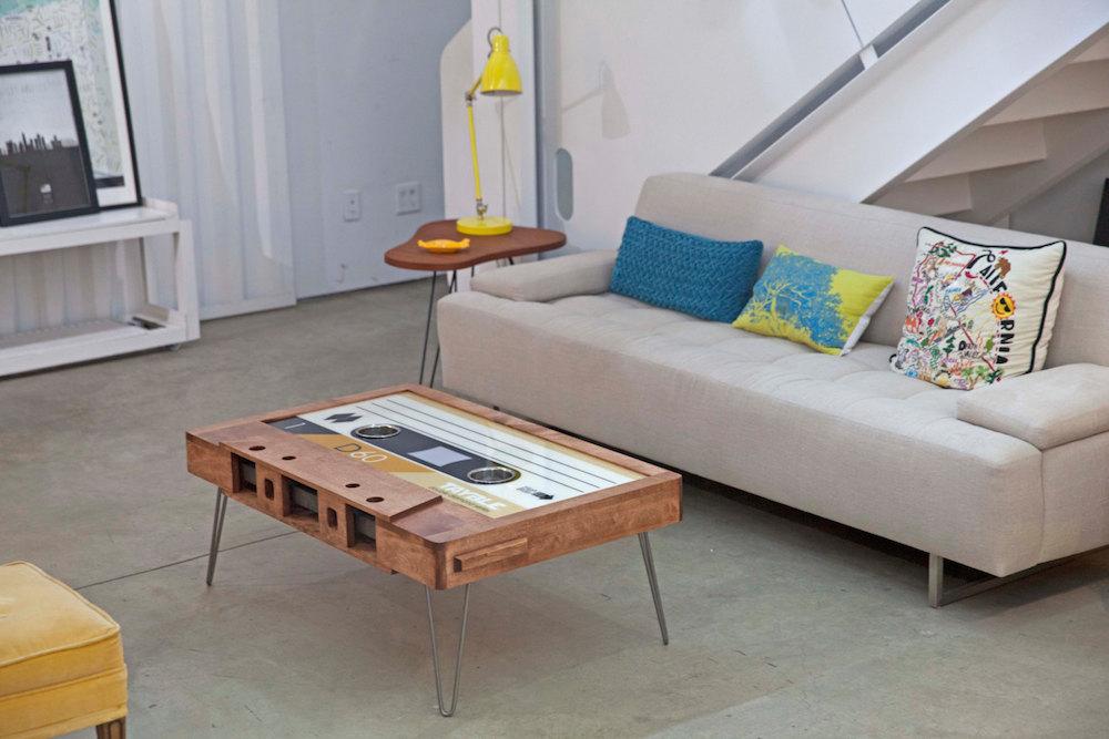 tavolino-salotto-musicassetta-arredamento-tayble-3