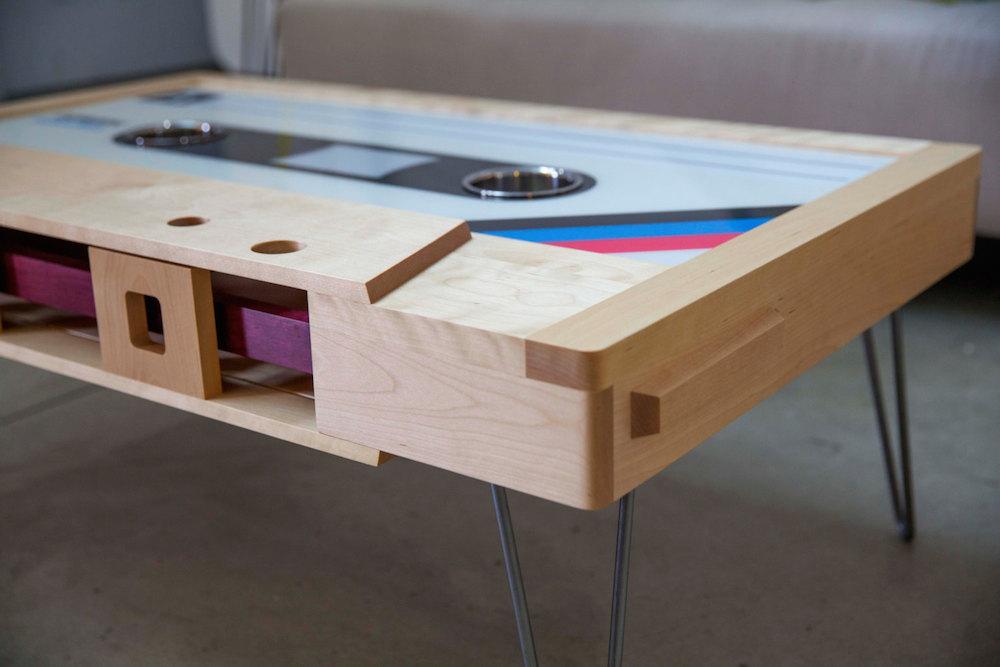 tavolino-salotto-musicassetta-arredamento-tayble-4