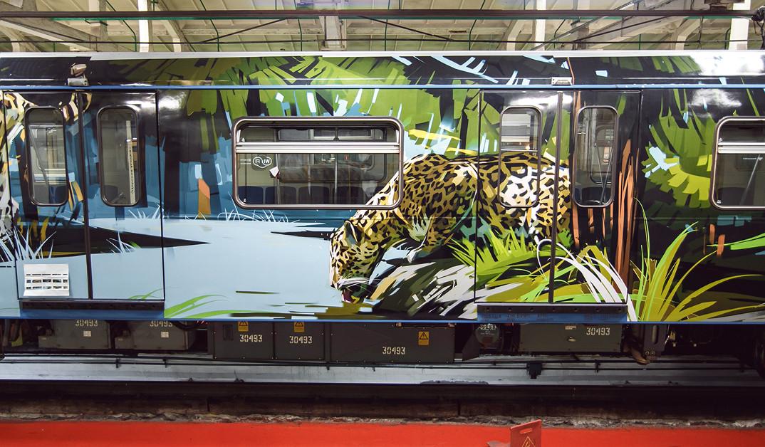 treno-metropolitana-mosca-illustrazioni-tigri-leopardi-viktor-miller-gausa-03