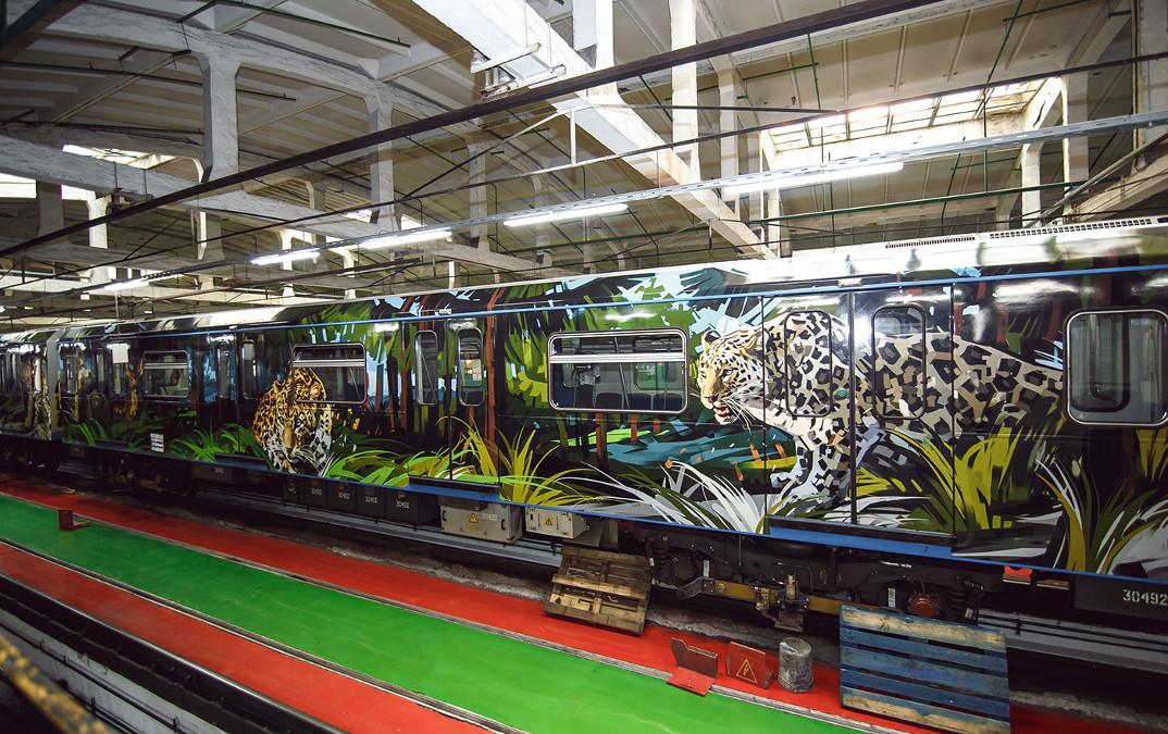 treno-metropolitana-mosca-illustrazioni-tigri-leopardi-viktor-miller-gausa-04
