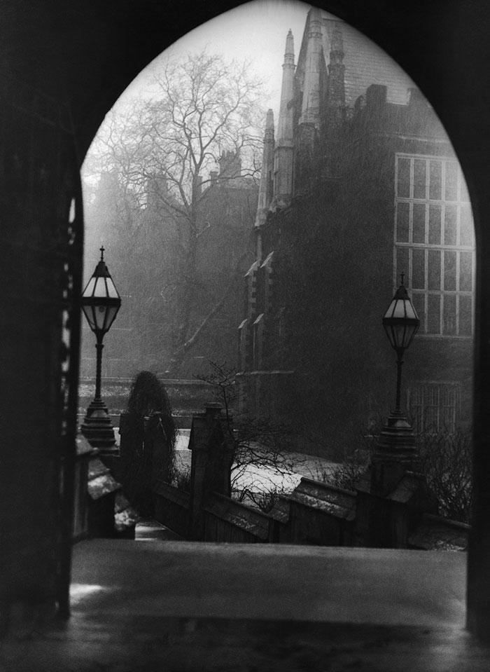 Londra Avvolta Da Una Nebbia Killer Nei Primi Anni Del 20