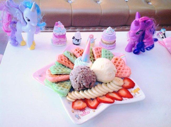 caffe-tema-unicorni-unicorn-cafe-bangkok-02