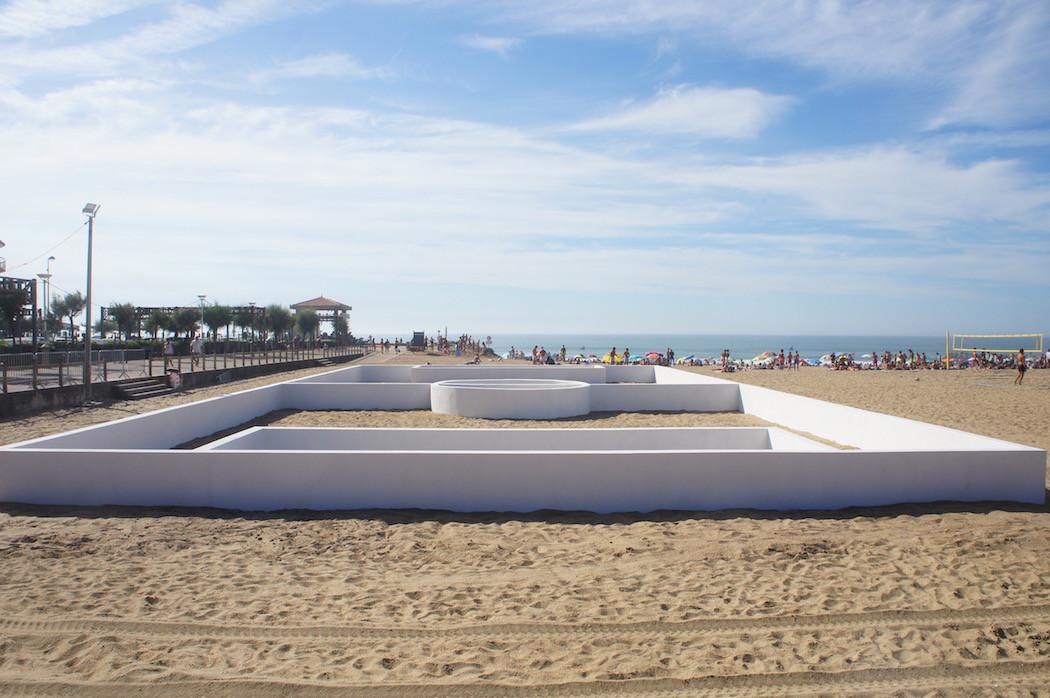 campo-calcio-muri-strisce-installazione-arte-benedetto-bufalino-1