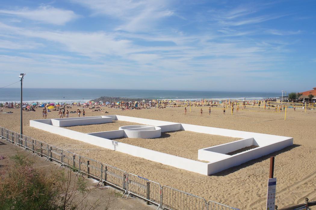 campo-calcio-muri-strisce-installazione-arte-benedetto-bufalino-2