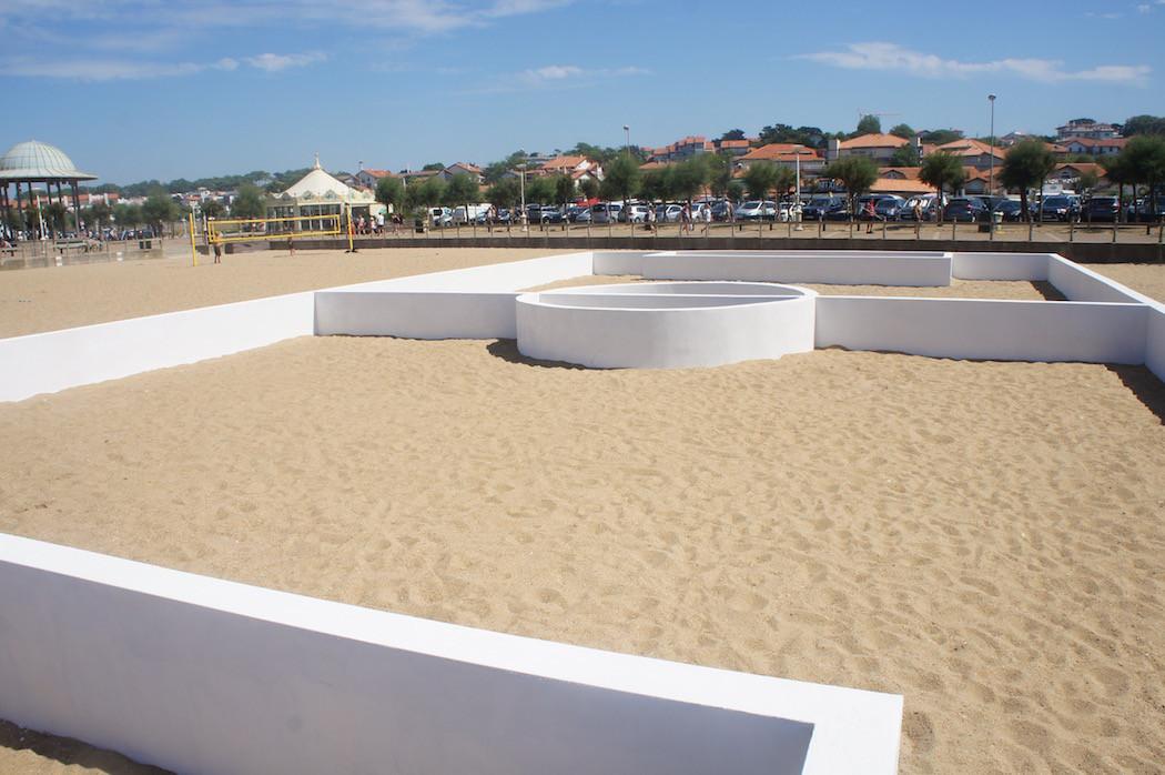 campo-calcio-muri-strisce-installazione-arte-benedetto-bufalino-4