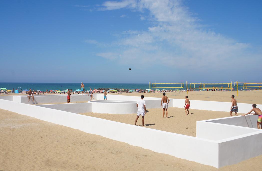 campo-calcio-muri-strisce-installazione-arte-benedetto-bufalino-5