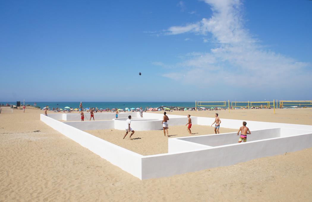 campo-calcio-muri-strisce-installazione-arte-benedetto-bufalino-6