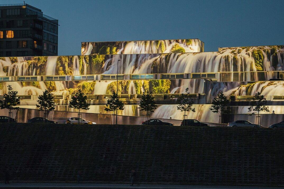 cascate-trasformano-parcheggio-vlnius-street-art-festival-ignas-lukauskas-06