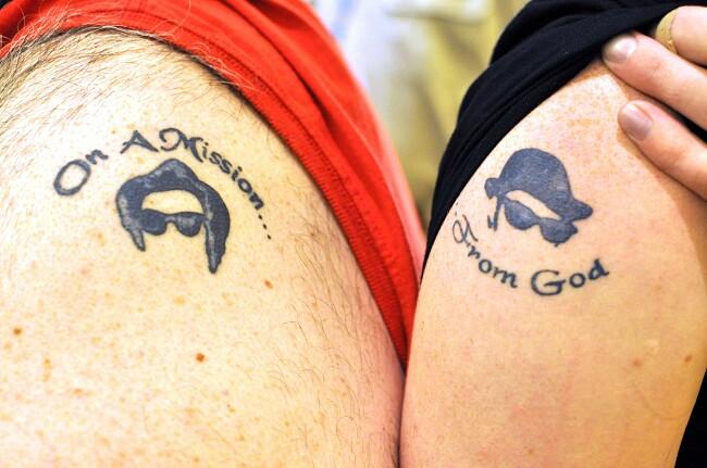 esempi-tatuaggi-coppia-amici-04