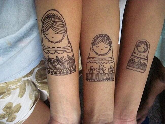 esempi-tatuaggi-coppia-amici-08