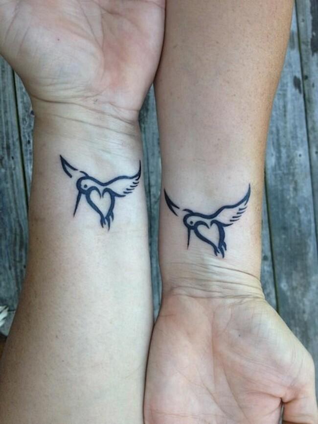 esempi-tatuaggi-coppia-amici-13